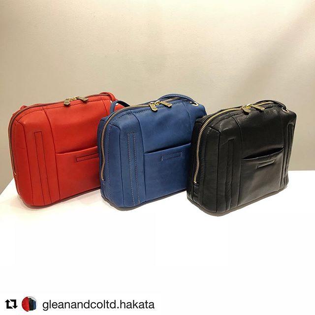 #Repost @gleanandcoltd.hakata with @get_repost・・・、、馬革を使った、軽くて丈夫なバッグ。、、薄くても強くしなやかで柔らかな風合いを利用して、綿をボンディングしているので手触りも柔らかく気持ち良いです。、、、お色味は3色展開、チャックが下までさがるので出し入れがとてもしやすいですよ♪、、、color:Red、Blue、Blackprice:¥23,000+tax→¥13,800+taxsize:W22、H16、D9、、、#gleanandcoltd #gleanandcoltd博多マルイ #博多マルイ #グリーンアンドコーリミテッド #博多 #馬革 #horseleather #バッグ #bag #ショルダーバッグ #shoulderbag #軽いバッグ #madeinjapan #旅行 #セール #sale #オリジナル #original