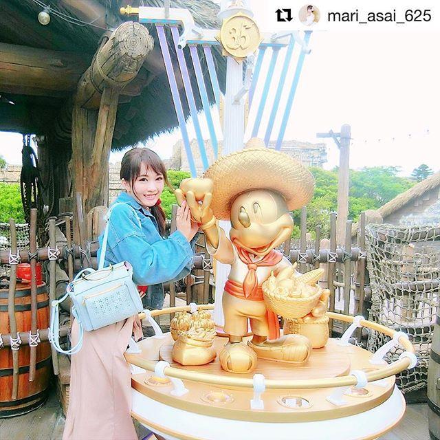 #Repost @mari_asai_625 with @get_repost・・・..ディズニーシーには、今あちこちにこの黄金ミッキー像があるのエリアの雰囲気に合わせて、ミッキーの衣装や飾り違うからいろんなミッキーがいて可愛いよー️..MAJESTIC LEGONリュックでディズニーこの前の沖縄旅行にもこのリュックをお供に(写真2枚目は沖縄での一枚).春夏らしいフラワーカットのパンチングデザイン×パステルブルーのカラー可愛いコンパクトサイズにみえて実際はいっぱい入るし楽ちんだから最近リュック率高い.サックスバー公式通販サイト@sacsbar_com_official_womensプロフィール欄にURL貼っといたから、カバン探してる人は見てみてねー..#sacsbar#サックスバー#ライセンス#サックスバー公式通販サイト#majesticlegonバック#majesticlegon#MAJESTICLEGON#マジェスティックレゴン#プレゼント#リュック#新生活