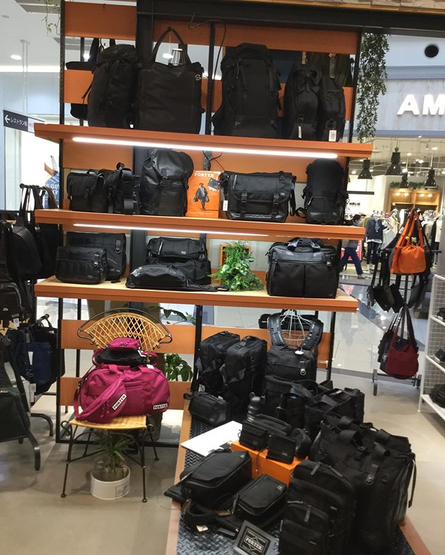 大人気PORTE Rのヒート、各型揃えています。その他にも新作が多数入荷していますので是非お立ち寄り下さいませ。#サックスバー#サックスバー武蔵村山#porter #吉田鞄#ヒート #新作#キング