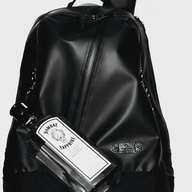 .MASTER-PIECE【SLICK】再入荷しました!NO.55542price.25,000yen(w/o tax)本体生地に600Dポリエステルをベースにドイツ製の樹脂とイタリア製のリリースペーパーとの組み合わせにより完成したキズが付きにくい新素材を使用した人気のシリーズです!#サックスバー #masterpiece #おしゃれさんと繋がりたい #広島#かばん #酒は飲んでも飲まれるな #イオンモール広島府中