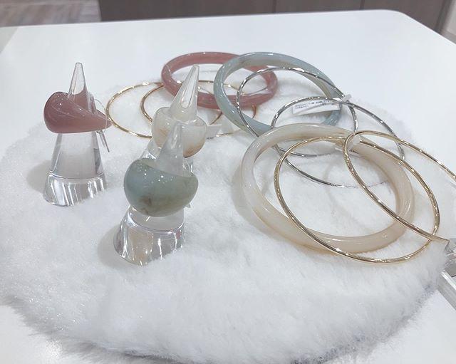 .new arraival・可愛いちゅるんっとしたパステルカラーのリングとブレスレット入荷しました〜!!これからの春〜夏にかけてぴったりの商品です・・#リング #ブレスレット #指輪 #パステルカラー #かわいい #おしゃれ #お世話や #アマトーネアクセソリーオ #東京デリカ #ring #bresslet #pastelcolor #osewaya #cute #amatoneaccessorio
