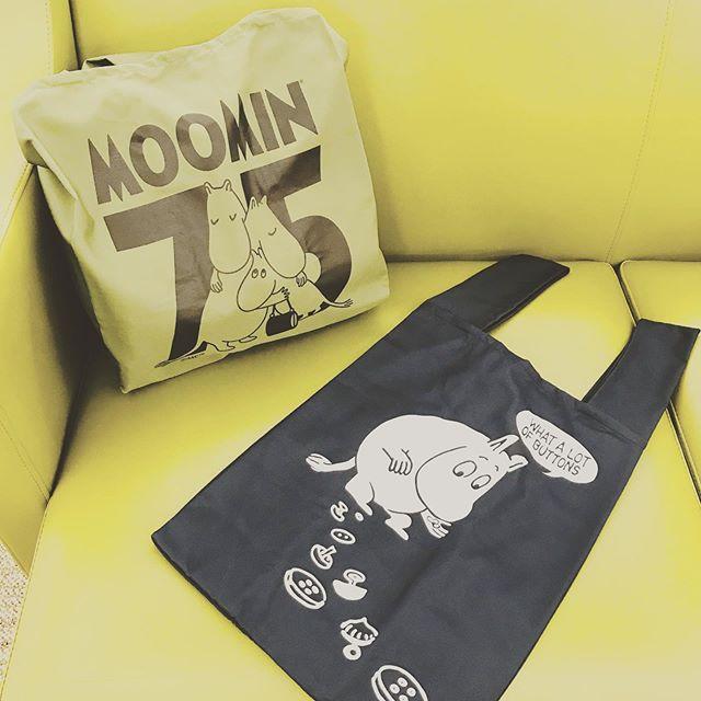 ムーミンのエコバッグが入荷しています・レジ袋と同じ形で物が入れやすいです・お弁当を入れるにもぴったりなサイズですよ・#ムーミン #moomin #エコバッグ #マイバッグ #ecobag #サックスバー #sacsbar #グランサックス #gransacs