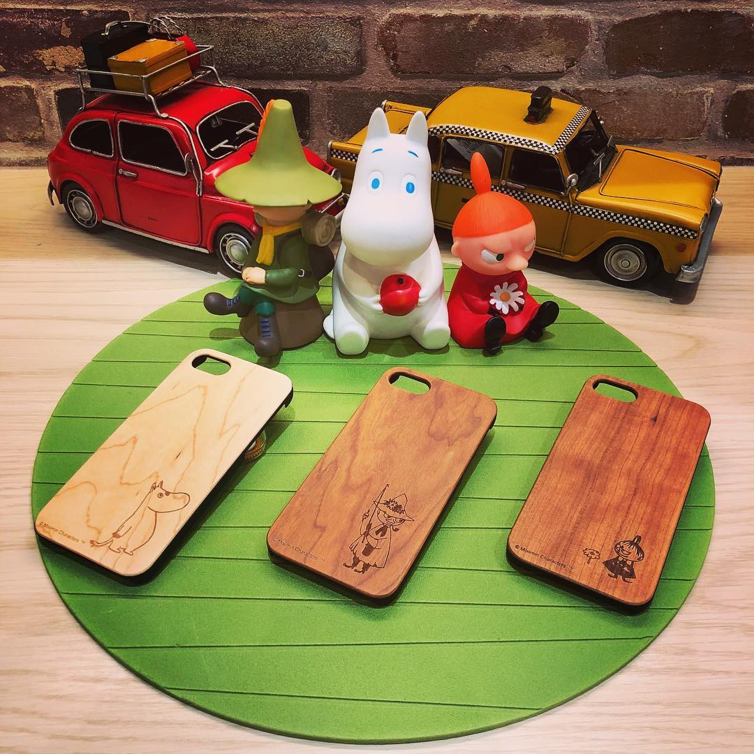 ムーミン[MOOMIN]iphone7/8ケース・¥2,600+TAX・・ムーミンキャラクターのiphoneケースが登場です️天然の木で出来ているのに軽い🏽木目や色が1つ1つ違います🌲ということは世界で1つ️・あなたはどのキャラクターを持ち歩きますか??・#ムーミン#moomin#iphone#iphoneケース#映える壁#グランサックス#グランサックス須磨パティオ#須磨パティオ